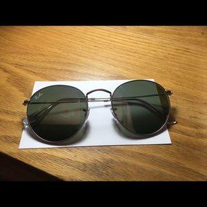 AUTHENTIC *no box* Ray bans Flat round sunglasses